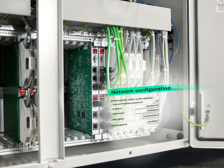 Standard in all ALLROUNDERs: the EUROMAP77 interface for injection moulding machines enables data exchange via the OPC-UA communication protocol