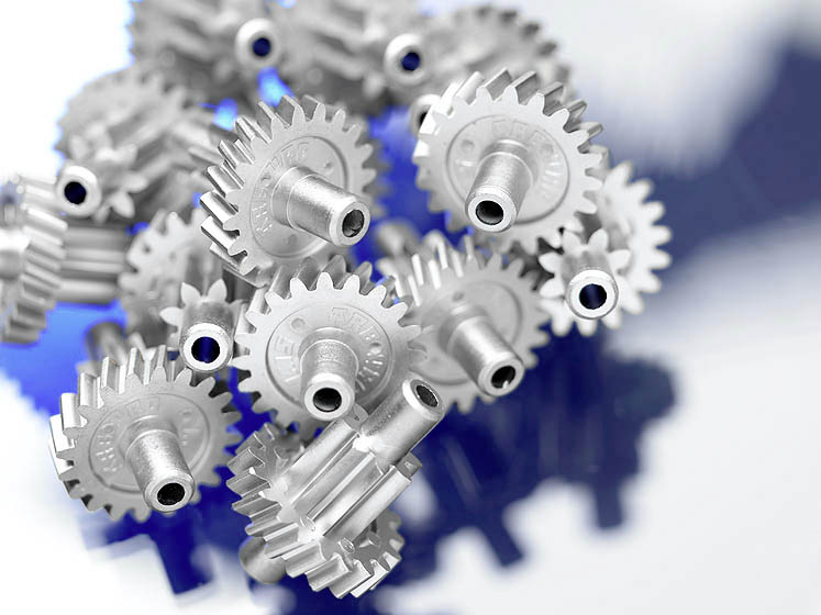 Small gear wheels in large unit volumes: powder injection moulding enables complex geometries to be reproduced in metal or ceramics