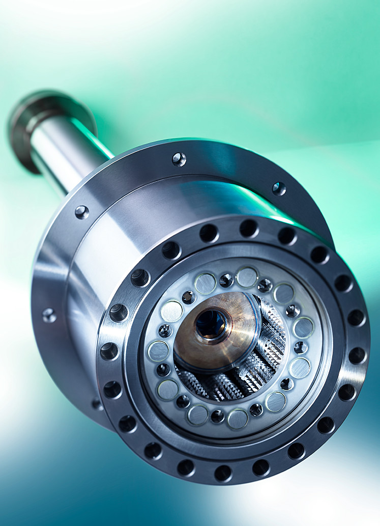 Servo-electric drives are equipped with play-free, direct-acting spindle Systems