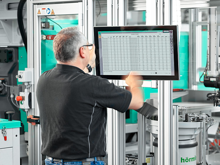 Reliably document production process and quality – with the ARBURG Turnkey Control Module (ATCM)